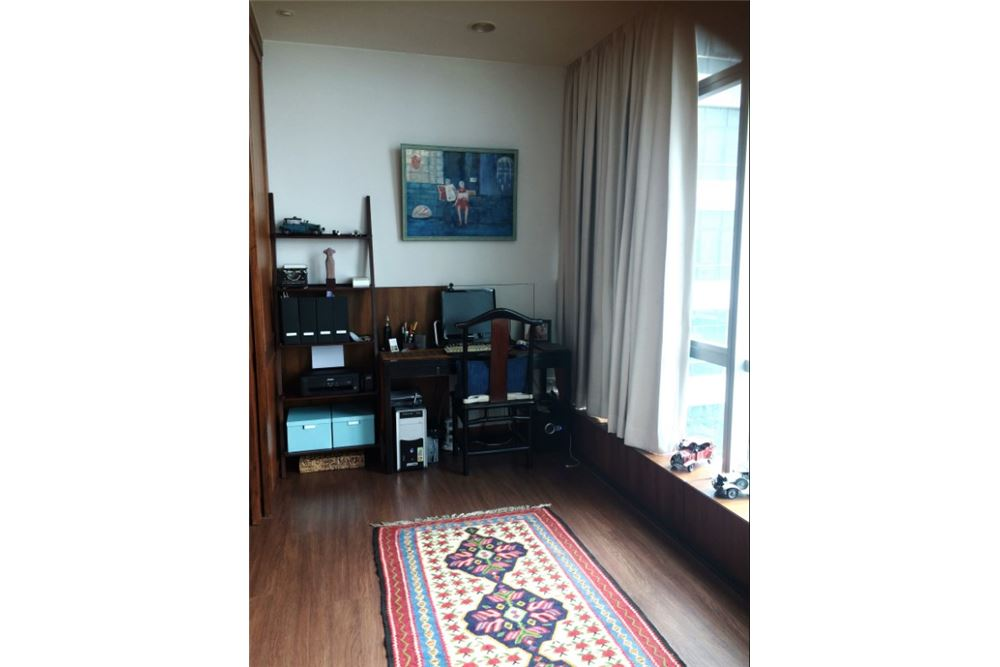 RE/MAX Executive Homes Agency's Beautiful 2 bed riverside apartment. River View. 11