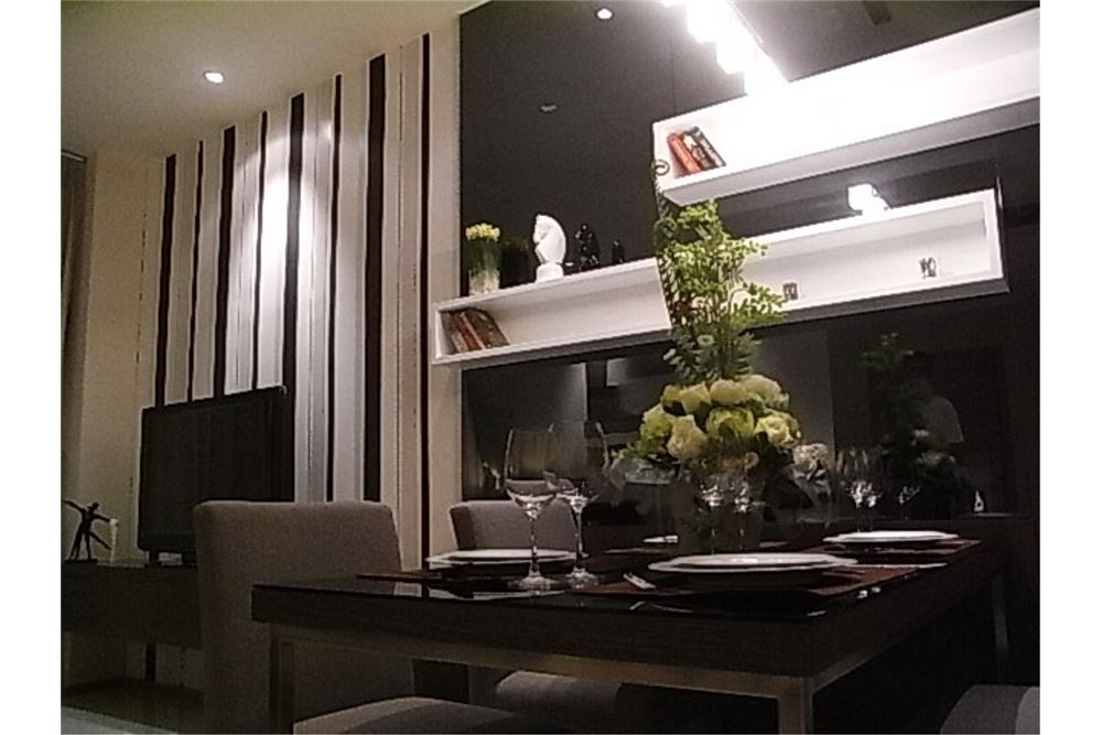 RE/MAX Properties Agency's FOR RENT The Emporio Place 1BED 65.35SQM 15