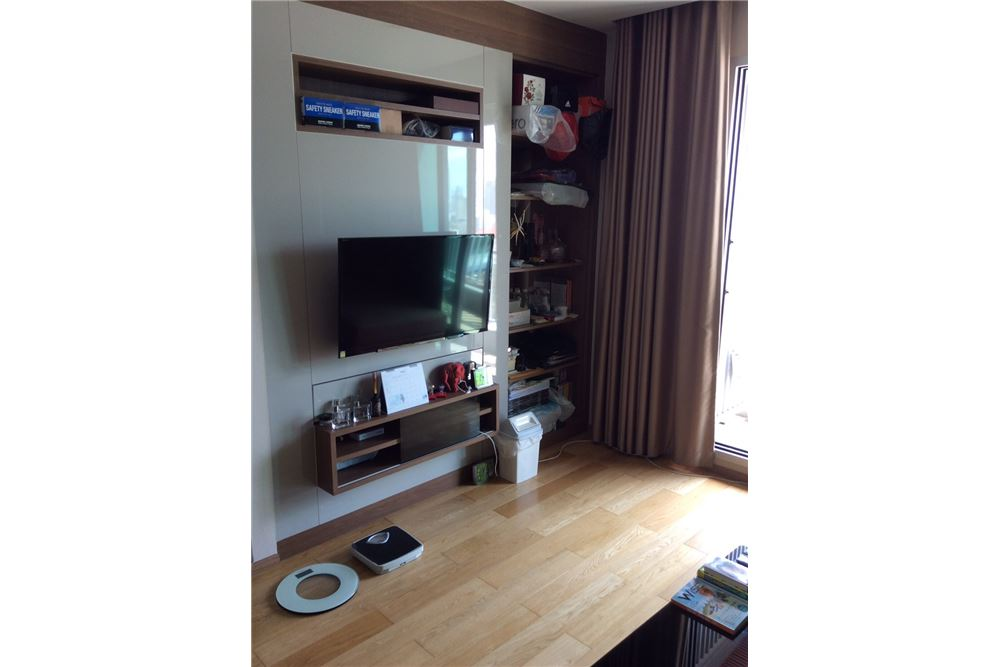 RE/MAX Executive Homes Agency's Nice 2 Bedroom for Sale with Tenant Address Asoke 2