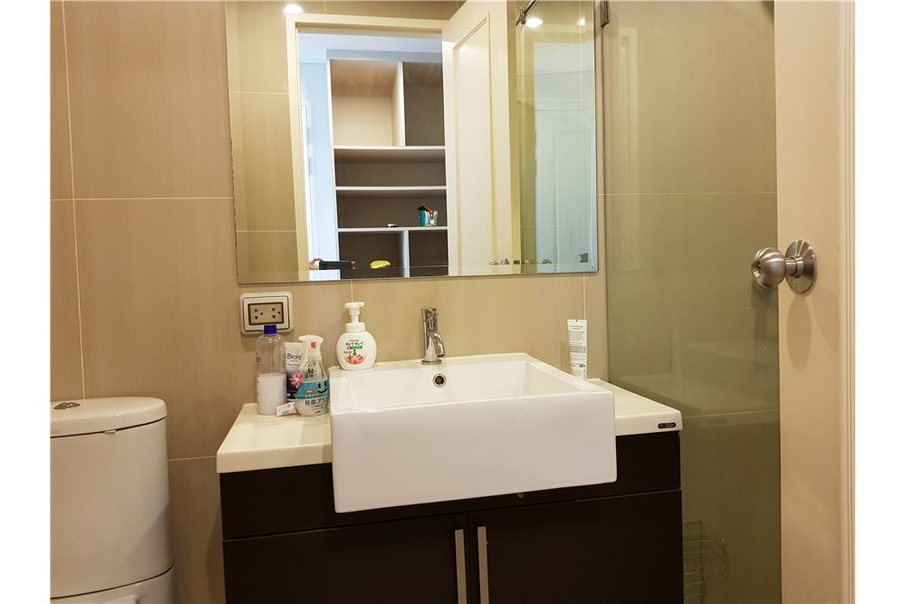 RE/MAX Properties Agency's Villa Asoke 1bedroom 7