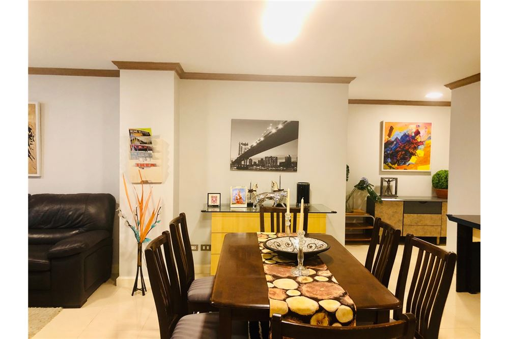 RE/MAX Executive Homes Agency's 2 Bedroom Condo for Rent in Silom 6