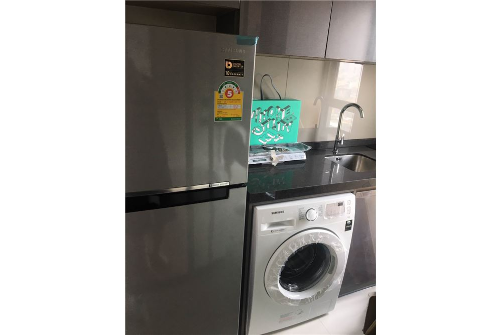 RE/MAX Properties Agency's Brand new 1 Bedroom for rent Rhythm Asoke 14
