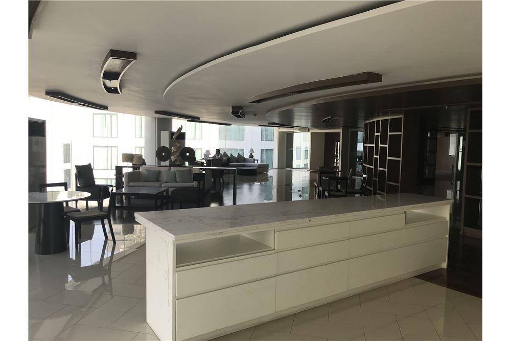 RE/MAX Properties Agency's Sale 1bedroom 15 Sukhumvit Residences 14