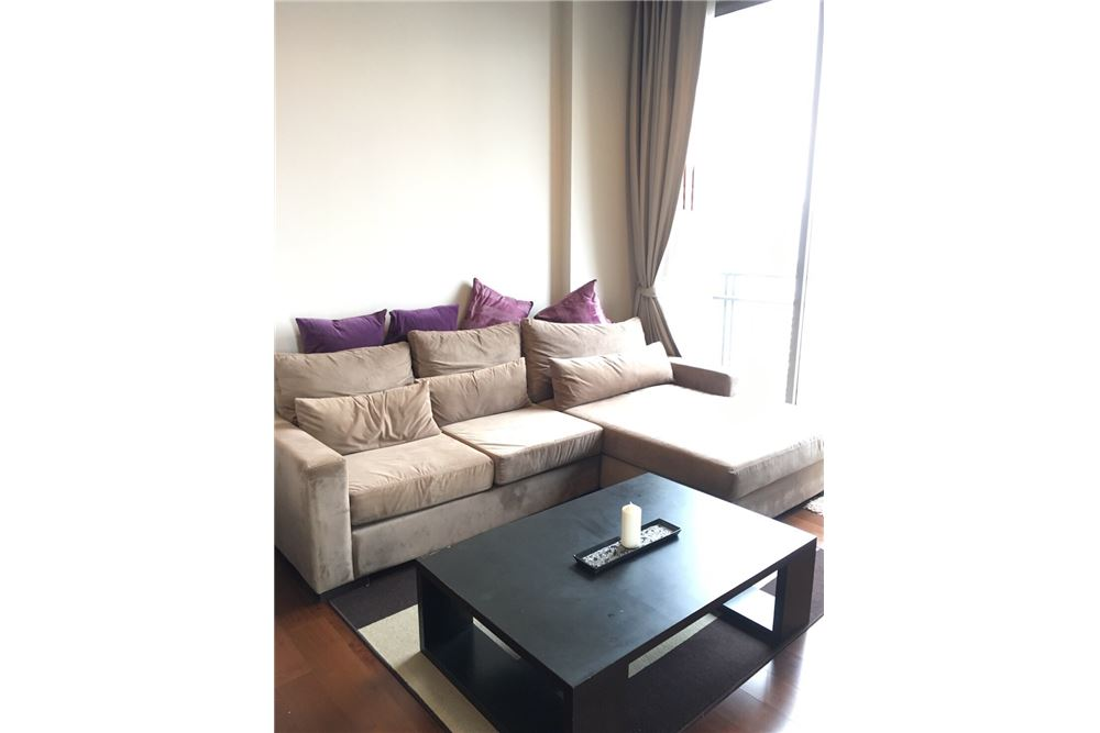 RE/MAX Executive Homes Agency's Spacious 1 Bedroom for Rent Quattro Thonglor 2