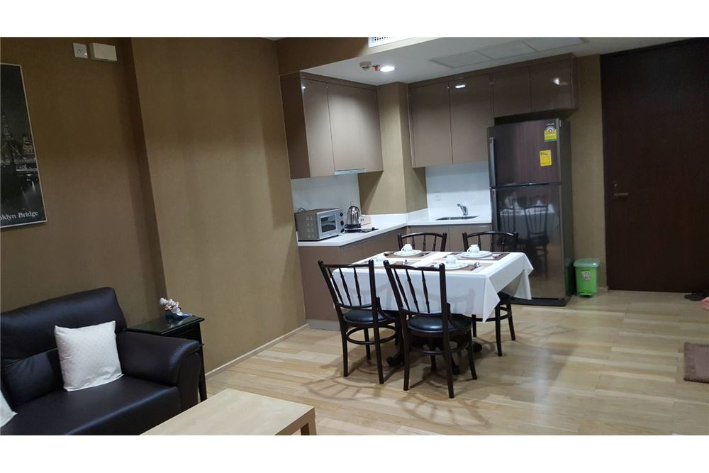 RE/MAX Executive Homes Agency's Spacious 1 Bedroom for Sale Siri Sukhumvit 5