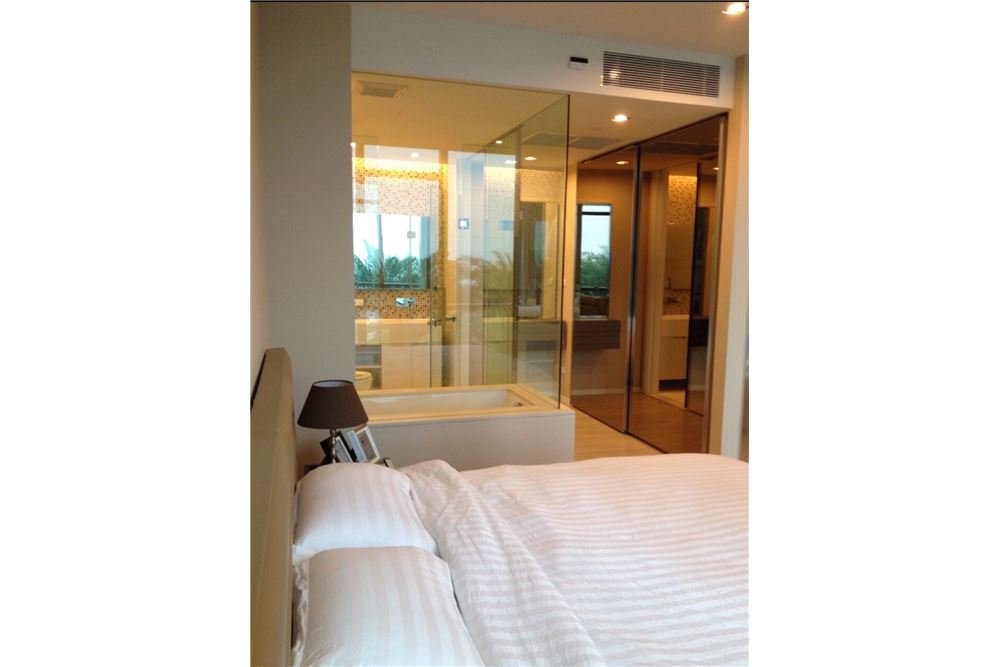 RE/MAX Properties Agency's RENT The room sukhumvit 21 1BED 50SQM. 8