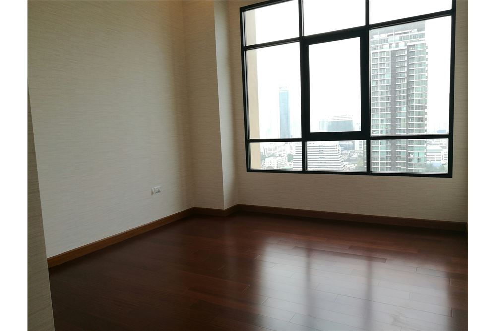 RE/MAX Executive Homes Agency's 4 Bedroom for Rent Supalai Elite Sathorn 6