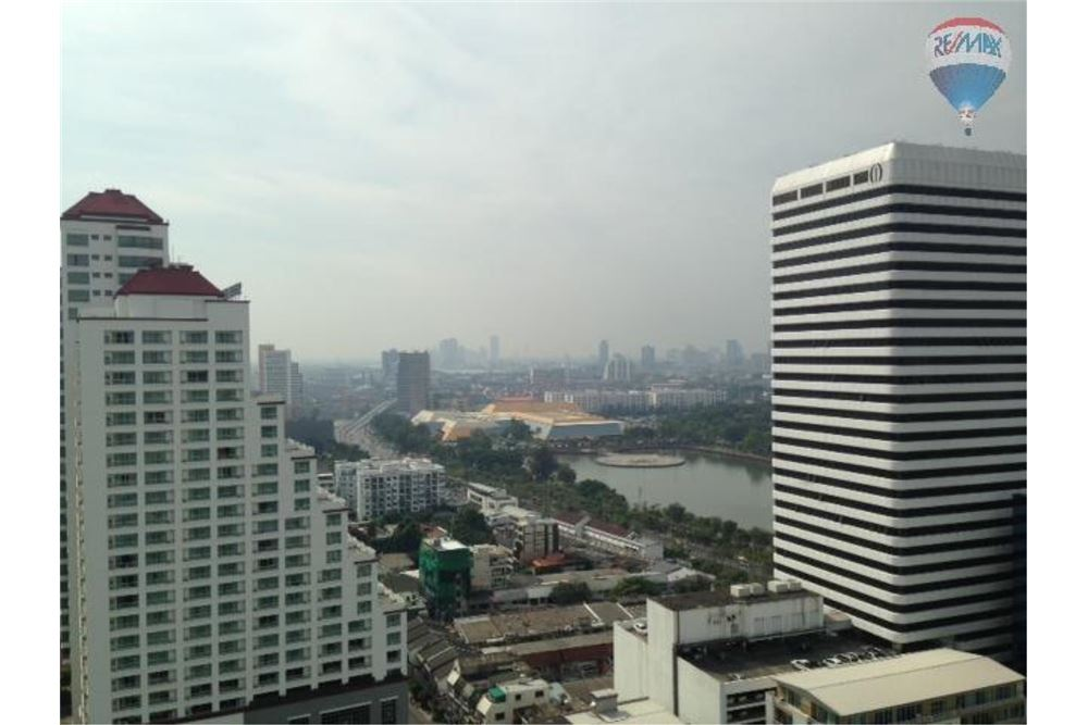 RE/MAX Properties Agency's FOR RENT LAKE AVENUE  SUKHUMVIT 16 2BED 120SQM 2
