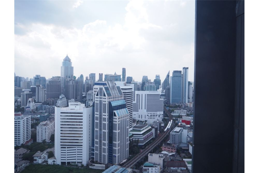 RE/MAX Properties Agency's RENT Hyde Sukhumvit 3BED 126.87SQM. 16