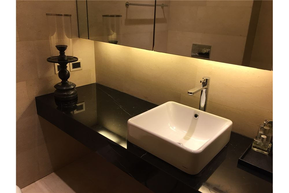 RE/MAX Executive Homes Agency's Saladaeng Residences / 1 Bed / For Rent / 50k 5