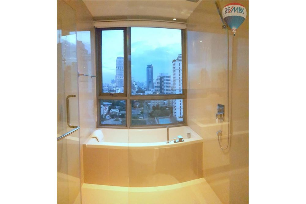 RE/MAX Properties Agency's H Sukhumvit 43, Bangkok - Condo for Rent 13