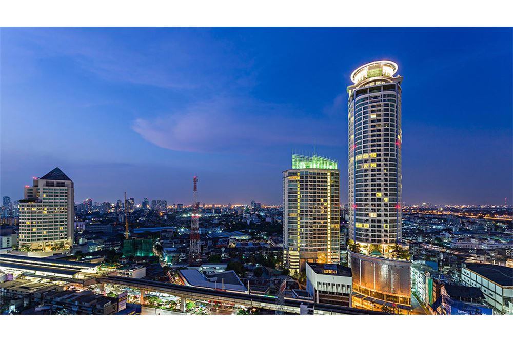 RE/MAX Properties Agency's for sale Skywalk Condominium 1