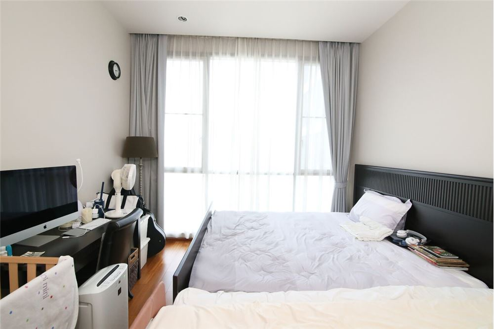 RE/MAX Executive Homes Agency's Spacious 2 Bedroom for Sale with Quattro Thonglor 3
