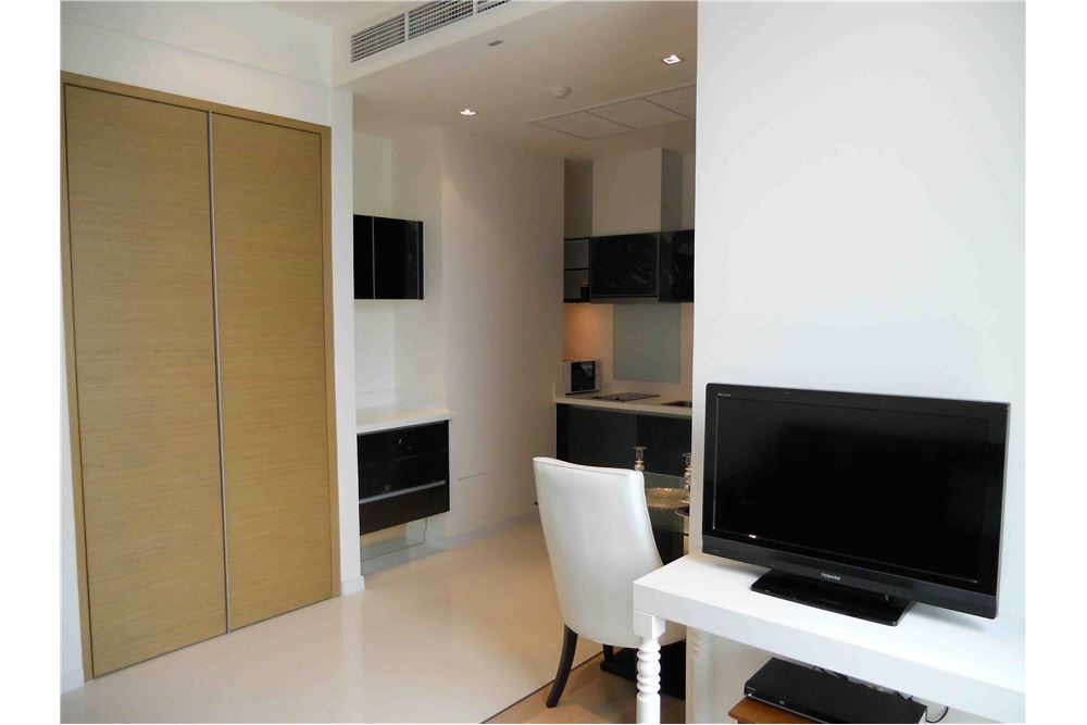 RE/MAX Executive Homes Agency's Stunning 1 Bedroom for Rent Eight Thonglor 3
