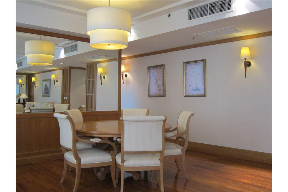 RE/MAX Properties Agency's RENT Langsuan Ville 2BED 160SQM. 2