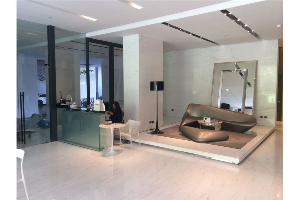 RE/MAX Executive Homes Agency's Nice 1 Bedroom for Sale Wyne Sukhumvit 9