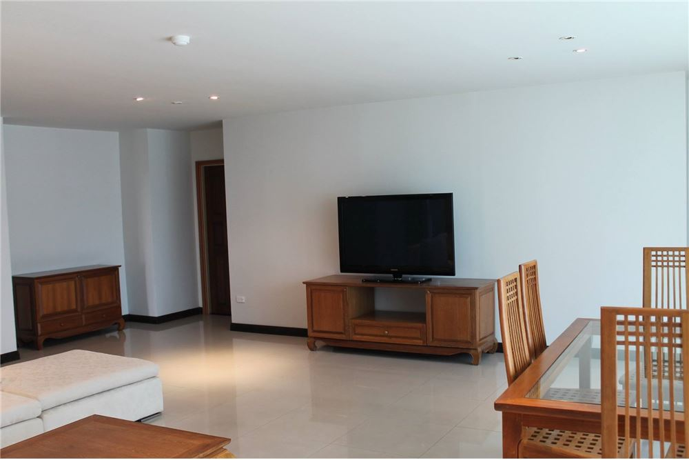 RE/MAX Executive Homes Agency's Apartment for rent / 3 Bedrooms in Sathorn Area 2