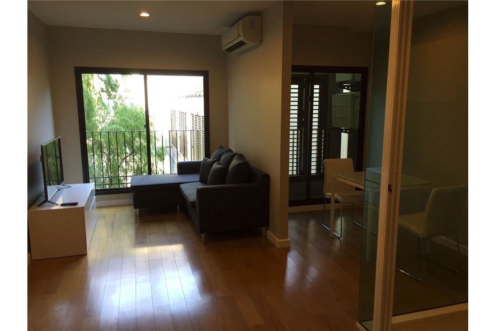 RE/MAX Executive Homes Agency's 1 Bedroom / for Rent / Condolette Dwell  26 3