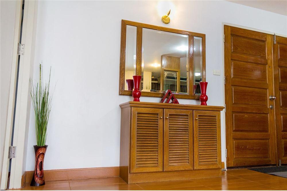 RE/MAX CASA Agency's For Rent 39 Suites 2 bedroom corner 5