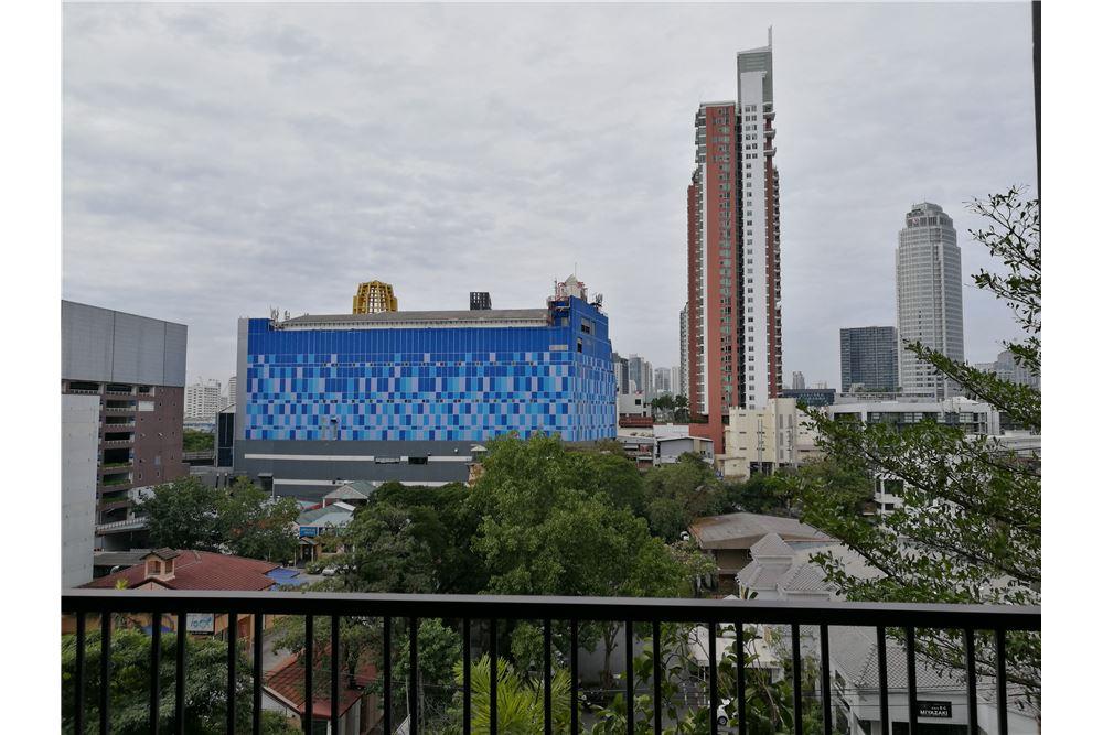 RE/MAX Properties Agency's Noble Reveal 2bedroom 24
