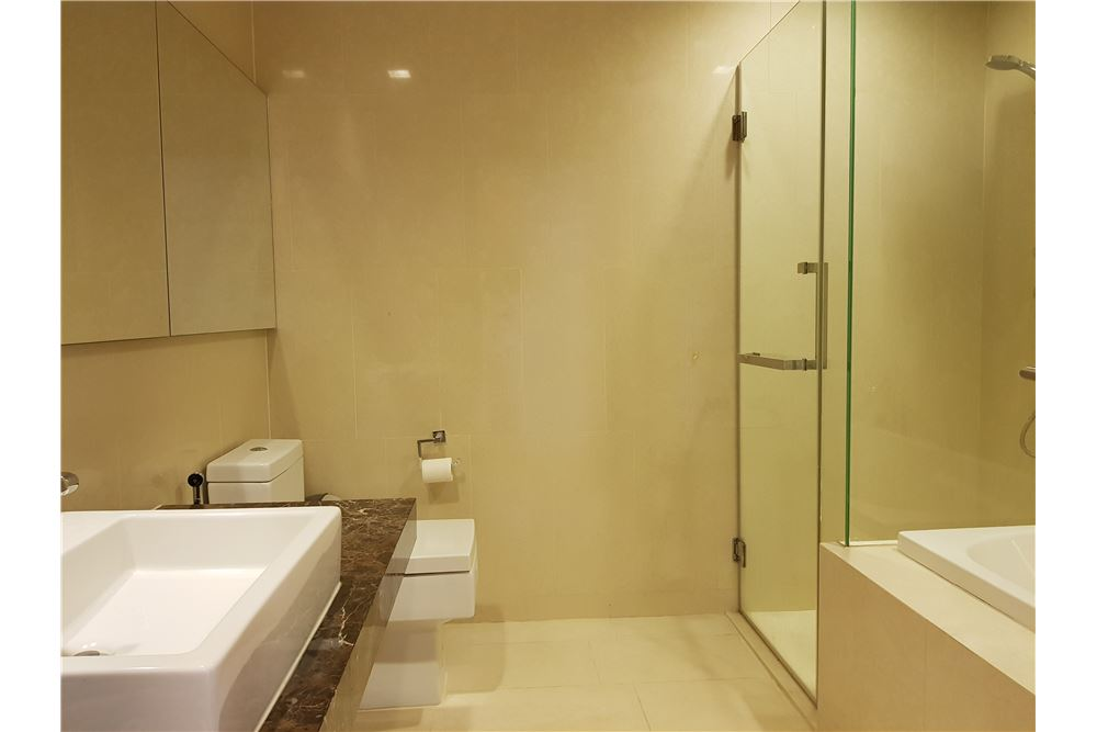 RE/MAX Properties Agency's RENT Hyde Sukhumvit 3BED 126.87SQM. 23