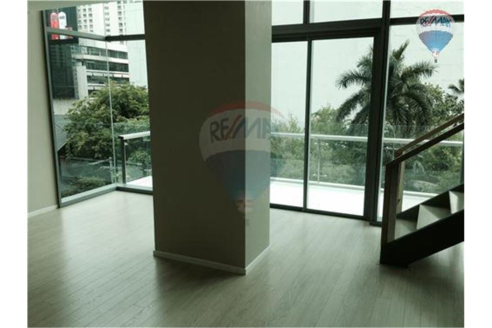 RE/MAX Properties Agency's FOR RENT  THE ROOM SUKHUMVIT 21    2 BED 128SQM 4
