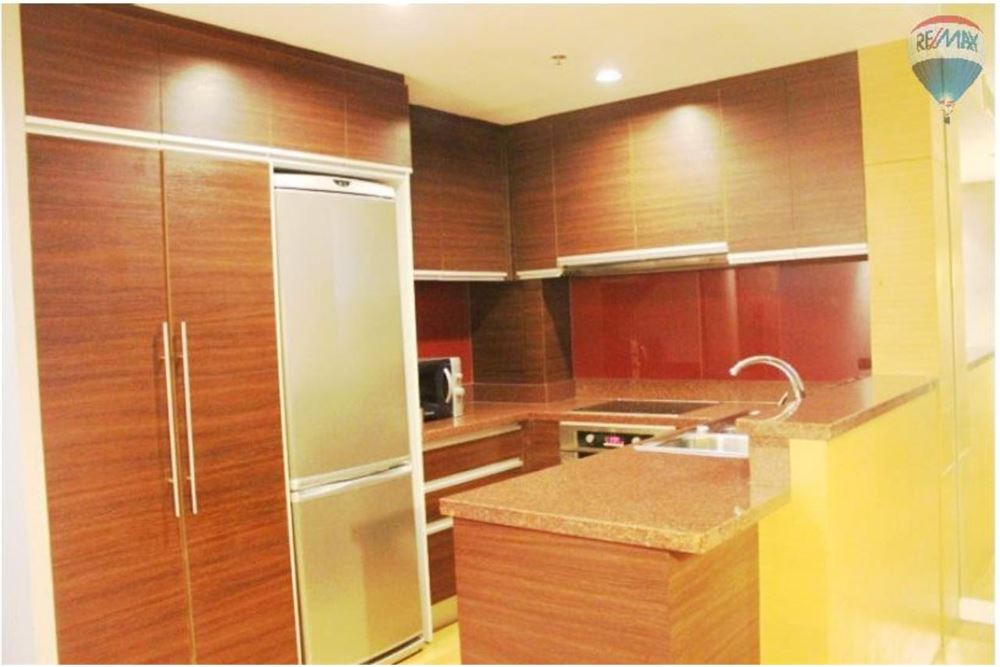 RE/MAX Properties Agency's FOR SALE  URBANA SATHORN  1BED 70SQM 3
