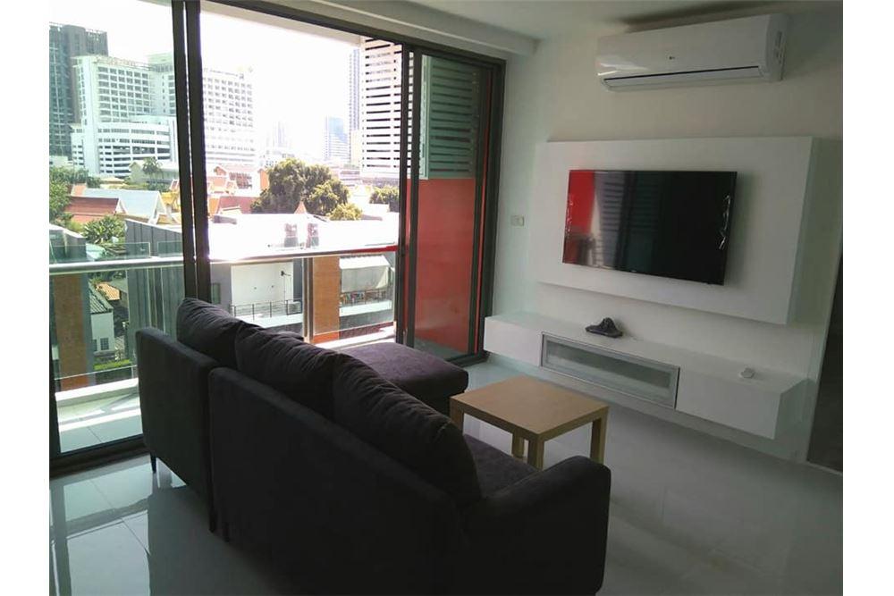 RE/MAX Properties Agency's for rent 1+1 Bedroom Ekkamai pet friendly 2