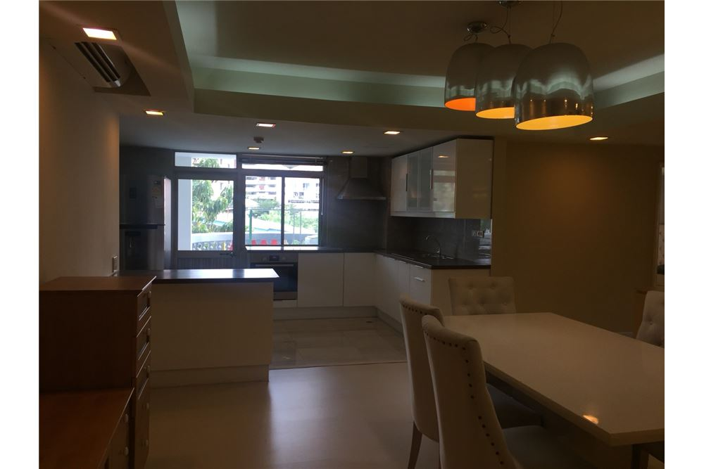 RE/MAX Executive Homes Agency's Royal Castle 3+1 Bed for Rent-Phrom Phong BTS 4