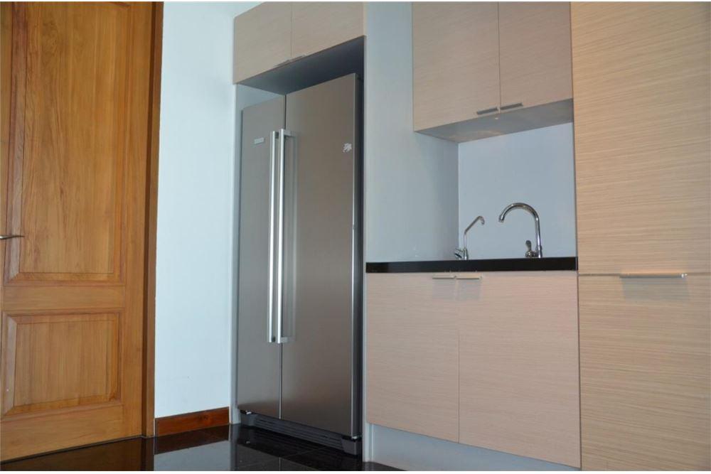 RE/MAX Properties Agency's FOR SALE  LE  RAFFINE SUKHUMVIT 39   2BED 237SQM 10
