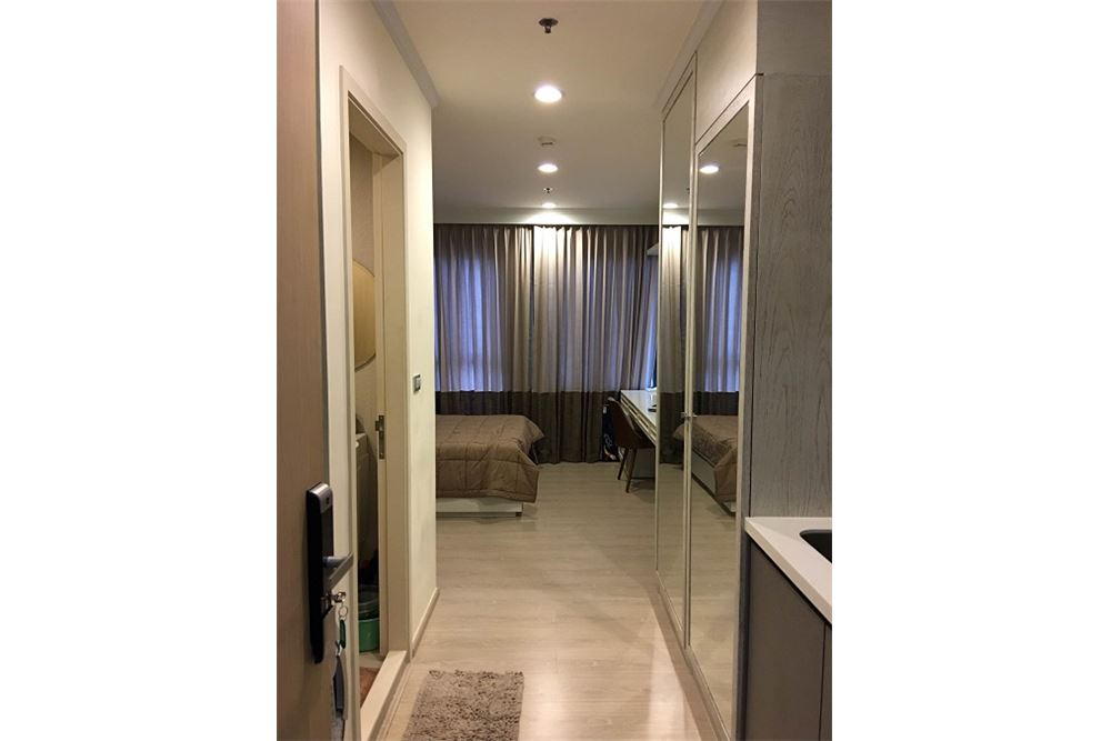 RE/MAX Executive Homes Agency's Rhythm Asoke II beautiful few rooms available for 7