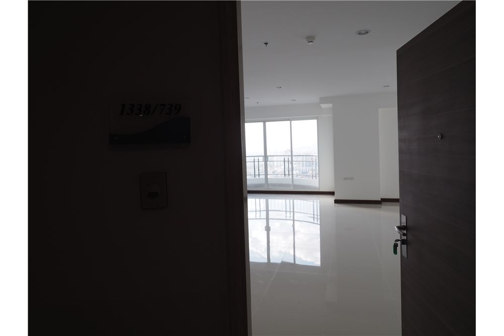 RE/MAX Properties Agency's RENT spacious 2bedroom Supalai Prima Riva 3
