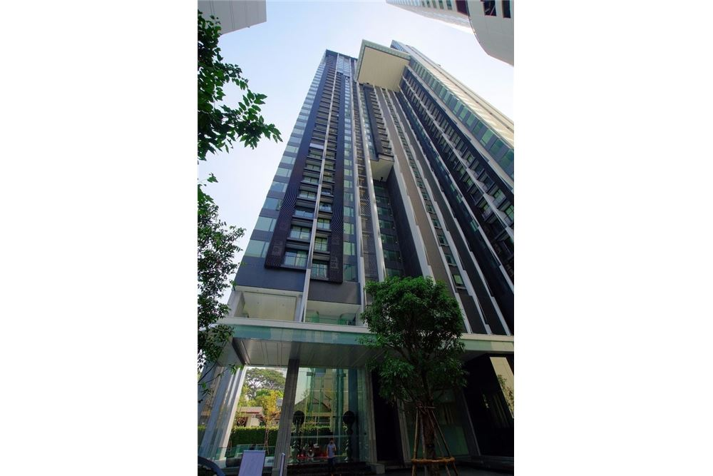RE/MAX Properties Agency's FOR SALE  EDGE Sukhumvit 23  1BED 33SQM 12