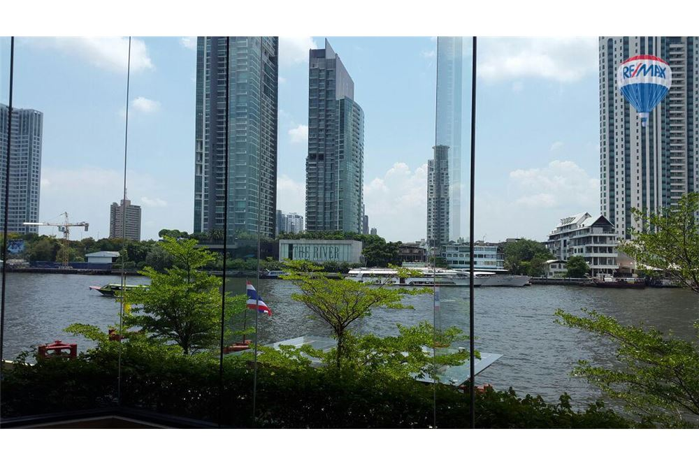 RE/MAX Properties Agency's FOR SALE  THE RIVER    2 BED 78SQM 13