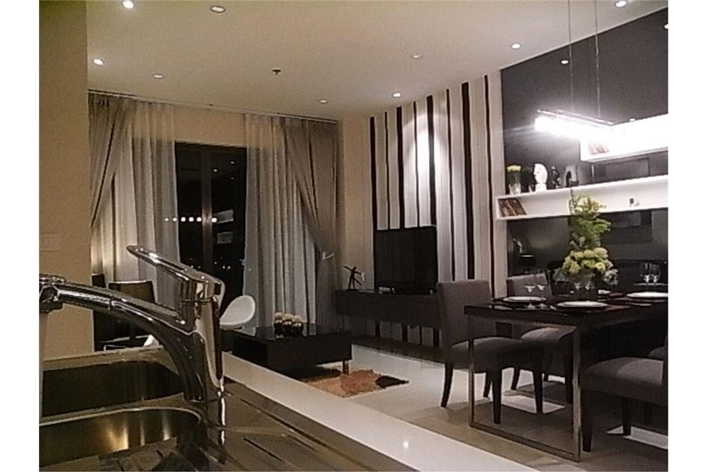 RE/MAX Properties Agency's FOR RENT The Emporio Place 1BED 65.35SQM 14