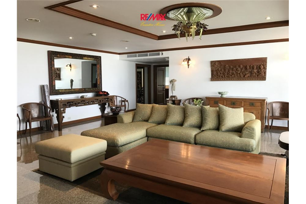 Re Max Executive Homes Agency S Beautiful 2 Bedroom For Habitat Lor
