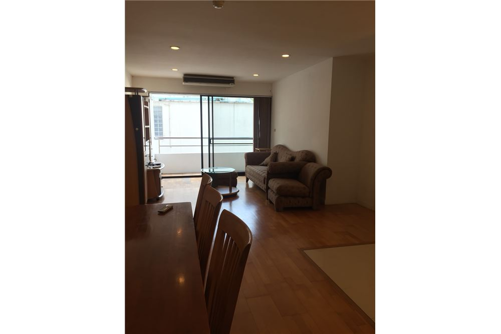 RE/MAX Executive Homes Agency's 2 Bedrooms / For Rent / at Sukhumvit 33 6