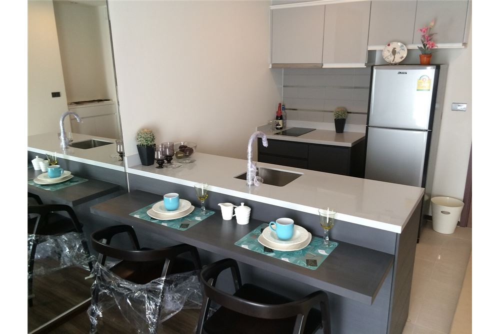 RE/MAX Executive Homes Agency's Nice 1 Bedroom for Sale Wyne Sukhumvit 4