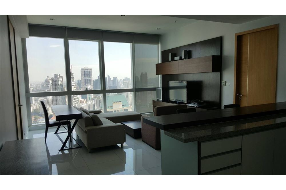 RE/MAX Executive Homes Agency's 1 Bedroom / For Rent / Millennium Residence 1