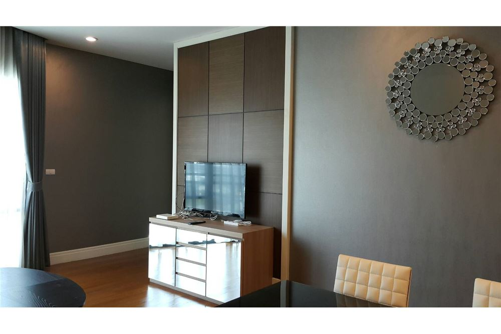 RE/MAX Executive Homes Agency's Spacious 2 Bedroom for Rent Bright 24 4