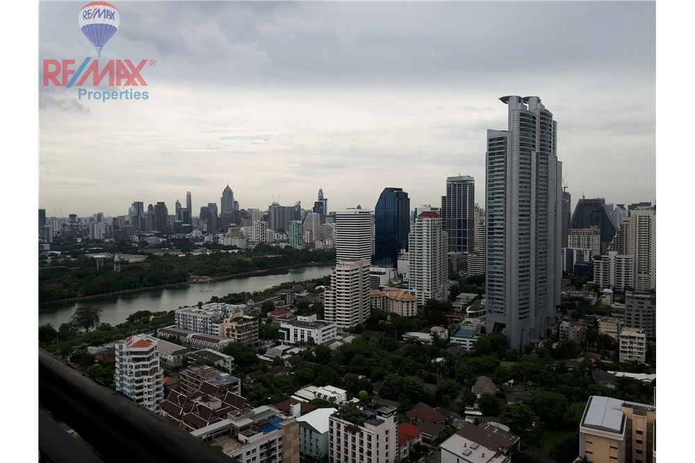 RE/MAX Properties Agency's RENT 3 Bedroom 150 Sq.m at Aguston Sukhumvit 22 15