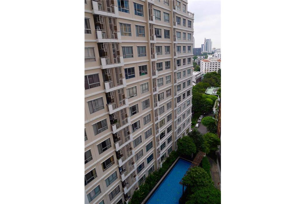 RE/MAX Executive Homes Agency's Spacious 1 Bedroom for Rent Condo One X 7