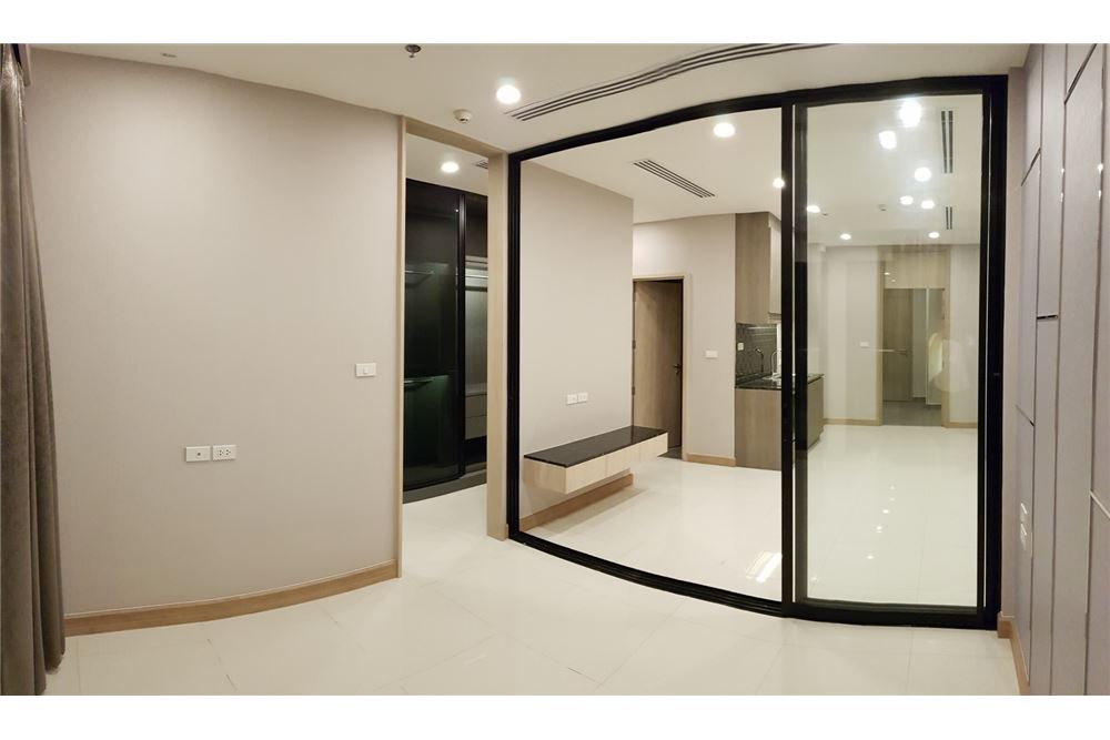 RE/MAX Properties Agency's 1 Bed for rent 55,000 THB 8