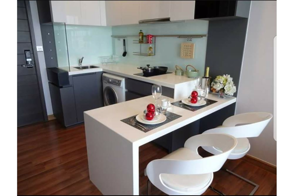 RE/MAX Executive Homes Agency's Nice 1 Bedroom for Rent Ivy Ampio 7