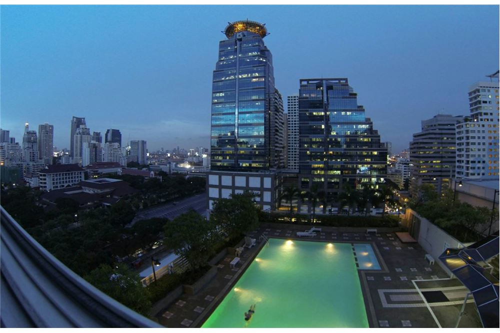 RE/MAX Executive Homes Agency's Nice 2 Bedroom for Sale Grand Park View Asoke 7