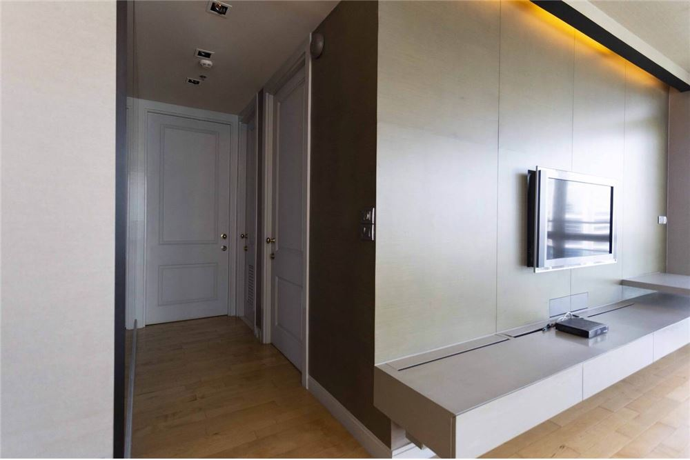RE/MAX Properties Agency's RENT Athenee Residence 2BED 133SQM. 7