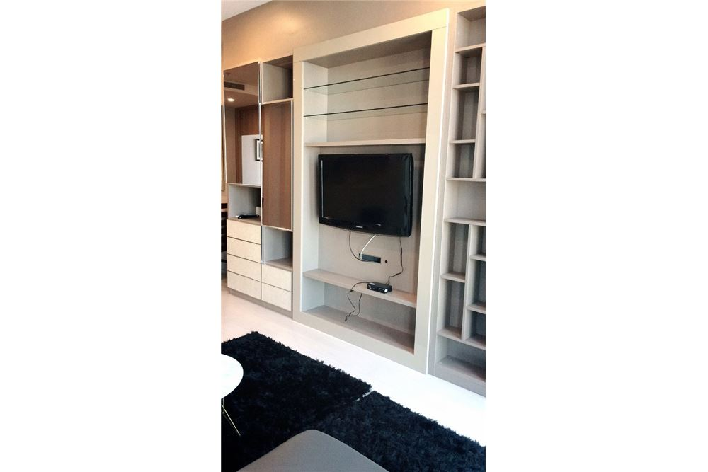 RE/MAX Properties Agency's RENT Noble Ploenchit 2BED 84SQM. 2