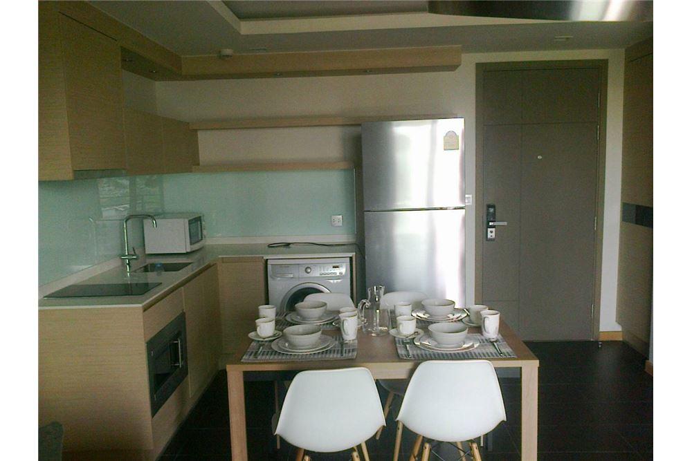 RE/MAX Executive Homes Agency's Spacious 1 Bedroom for Rent Via Botani 47 4