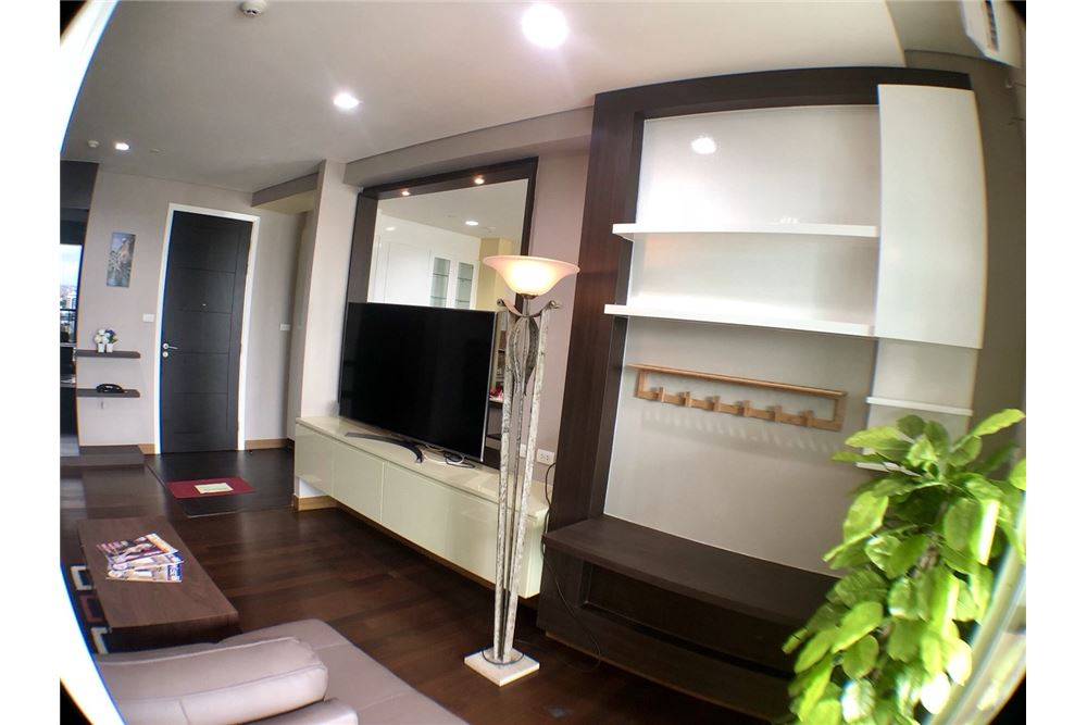 RE/MAX Executive Homes Agency's Spacious 2 Bedroom for Rent Ivy Thonglor 6