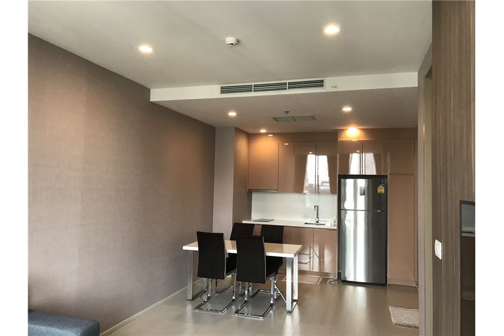 RE/MAX Executive Homes Agency's Spacious 1 Bedroom for Rent Noble Phloenchit 4